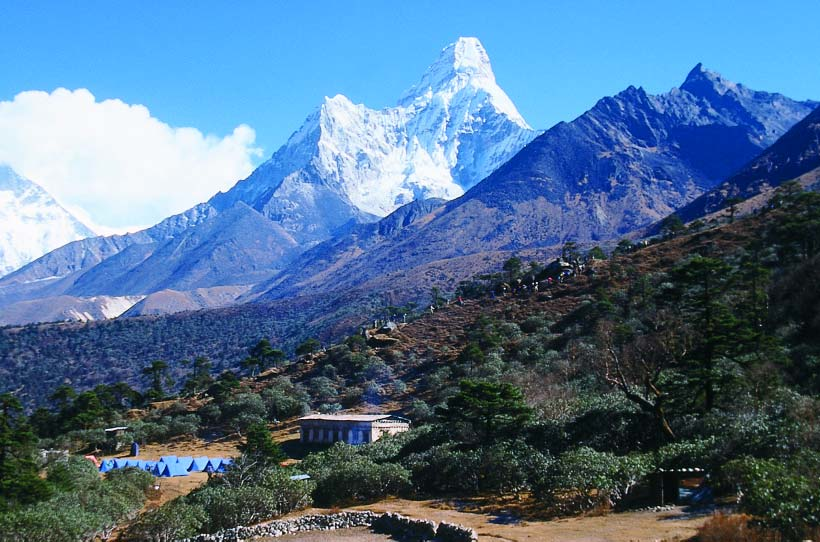 Ama Dablam trek blends with Sherpa culture